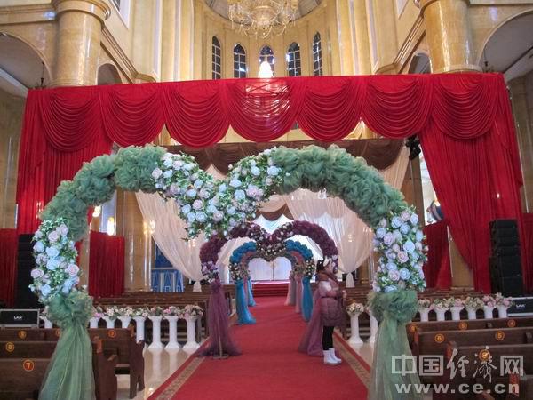 温馨浪漫的满洲里欧式观光婚礼宫