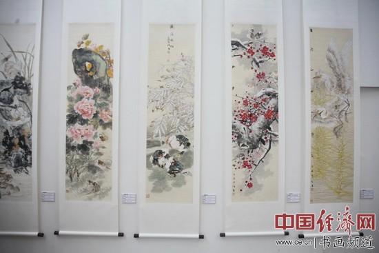 李俊香国画作品 中国经济网记者李冬阳摄
