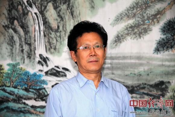 中华书画协会理事、东西方艺术家协会副秘书长朱伯芳